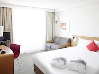 Executive Room, 1 Queen Bed, Balcony