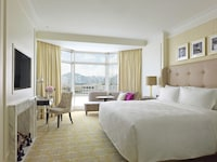 Grand City View Room, 1 King Bed