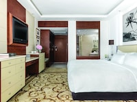Deluxe Courtyard Room, 1 King Bed