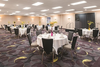Seattle Vacations - La Quinta Inn & Suites Tacoma Seattle - Property Image 1