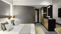 Room, 1 King Bed, Executive Level (Fairmont-Newly renovated)
