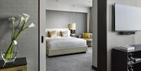 Executive Suite, 1 King Bed (Newly renovated)