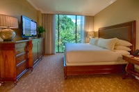 Executive Room, 1 King Bed, Concierge Service