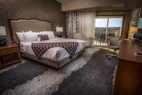 Standard Room, 1 King Bed, Balcony
