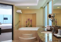 Executive Suite, Jetted Tub, Ocean View
