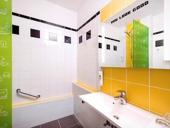 Budapest Vacations - Ibis Styles Budapest Center - Property Image 16