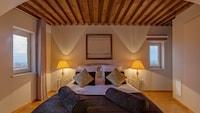 Suite, 2 Bedrooms (Appartement Lumière)