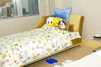 J-Fun City-View Room(1 king bed and a couch, no extra bed)