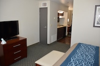 Suite, 1 King Bed, Non Smoking, Kitchenette