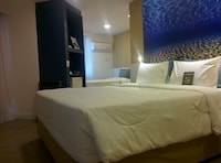 Superior Room, Multiple Beds (1 Queen bed and 1 single bed)