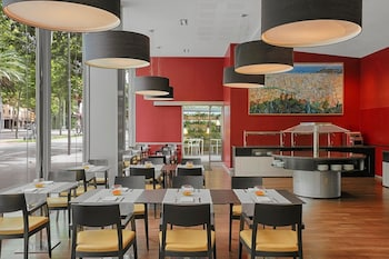 Barcelona Vacations - Four Points By Sheraton Barcelona Diagonal - Property Image 8