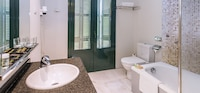 Comfort Double Room Single Use, Private Bathroom