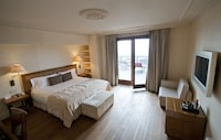 Deluxe Double Room, Terrace, Mountain View