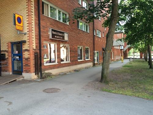 Hotel & Hostel 4 U