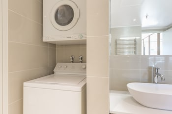Sydney Vacations - Sydney CBD 112 Mkt Furnished Apartment - Property Image 1