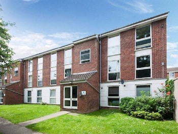 Chiswick Apartment