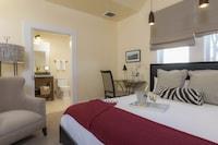 Deluxe Vintners King Spa Guestroom