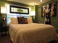 Premium Suite, 1 Queen Bed, Jetted Tub, Garden Area