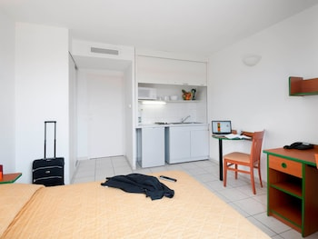 Nice Vacations - Aparthotel Adagio Access Nice Magnan - Property Image 5