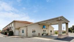 Motel 6 Hinesville GA