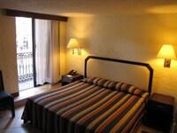 Single Room, 1 King Bed, Balcony
