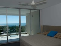 Penthouse, 2 Bedrooms, Ocean View with Study
