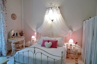 Traditional Room, 1 Queen Bed