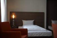 Business Single Room, 1 Queen Bed