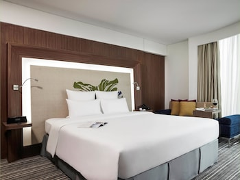 Ho Chi Minh City Vacations - Novotel Saigon Centre - Property Image 5