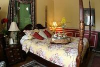 Palace chambers yellow room