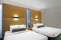 Room, 2 Queen Beds (Golf)