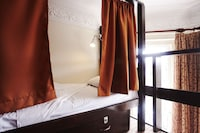 Shared Dormitory, Women only (6 Bed)