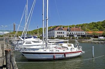 Dockyard Hotel