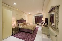Family Suite, 1 King Bed with Sofabed