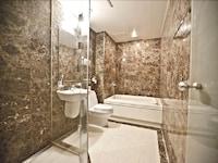Premium Twin Room, Bathtub, City View