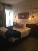 Standard Room, 1 King Bed / Twin Bed (Purple King)