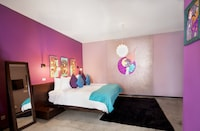 Deluxe Room, 1 King Bed / Twin Bed (Rosa Menta)