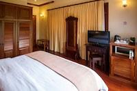 Deluxe Single Room, 1 King Bed, Garden View