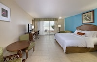 Room, 1 King Bed, Accessible, Beach View