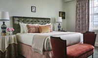 Room, 1 King Bed (Clio)