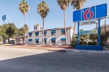 Americas Best Value Inn-Riverwalk Downtown/Market Square - Featured Image  - #0
