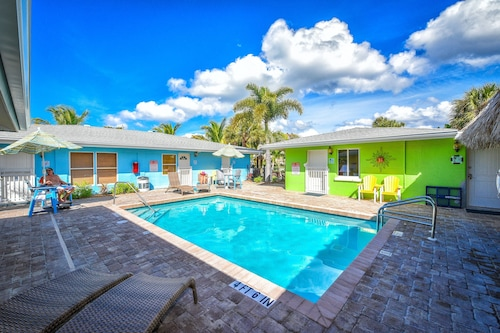 Siesta Key Beachside Villas