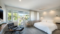Heart Hotel and Gallery Whitsundays