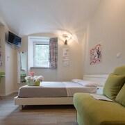 Bed&BikeRome Rooms