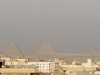 pyramids view apartment