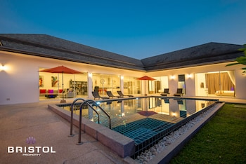 Kamala Contemporary 3 Bedrooms Pool Villa