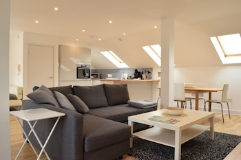 Modern 2 Bedroom Apartment in Balham