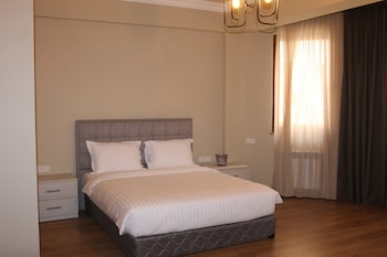 Teryan-Pushkin Apartments