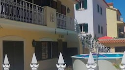 House With 2 Bedrooms in Palmela, With Pool Access, Enclosed Garden an