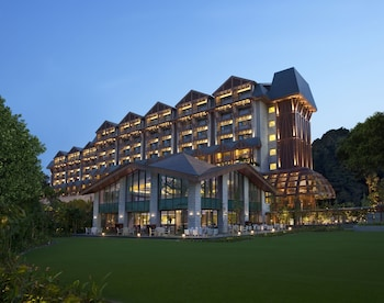 Resorts World Sentosa…